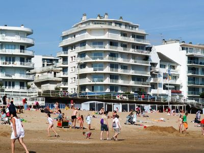 Photo for Studio edge of beach in the middle of the large beach of La Baule