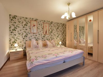Photo for Bright, spacious holiday home near the beach