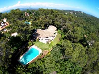 Photo for Villa architect, village of Valbonne on foot, large pool, ideal family