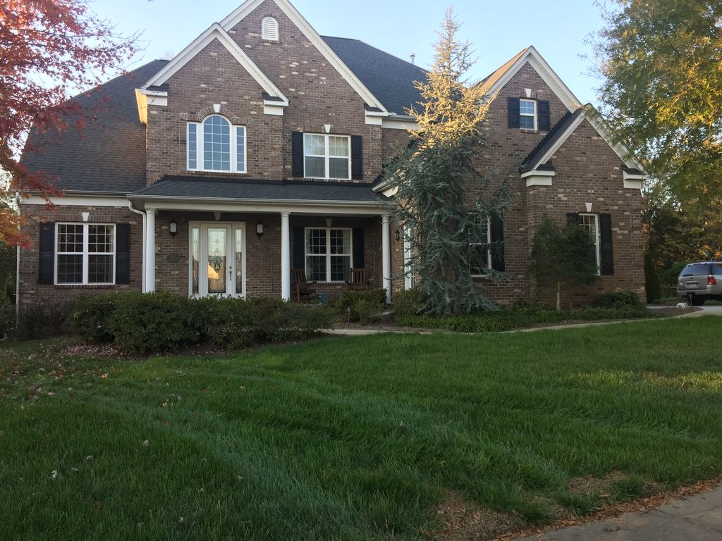 Beautiful family friendly home with endless activities!!!