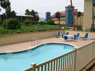 Photo for Luxurious Mid Island 3 Minute Walk Beach SPRING BREAKERS WELCOME 21+ TO RESERVE