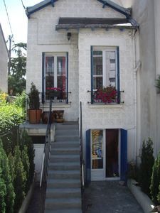 Photo for Paris 10 min Private house with garden, wifi, parking APRIL 110 euros/night