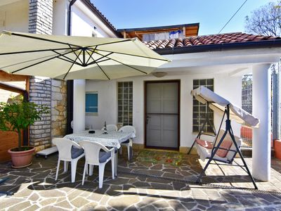 Photo for Umag cottage for couples or family near the sea Wifi garden