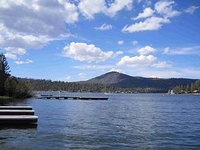 LAKEFRONT with 2 HOT TUBS BEST LAKEFRONT LOCATION Close to SLOPES
