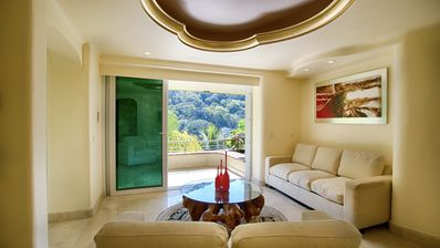 Photo for Luxury Suite with Garden and Ocean view