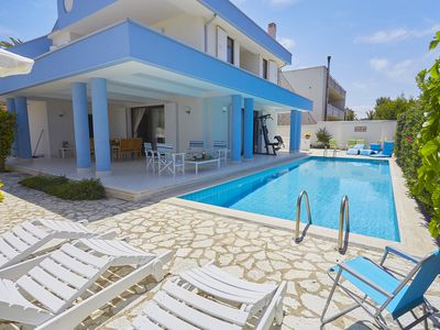 Photo for Charming villa with pool and sea in Trappeto