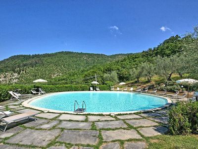 Photo for Apartment in Rufina with 2 bedrooms sleeps 6