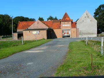 Accommodation 5/7 people easy access by highway near the France