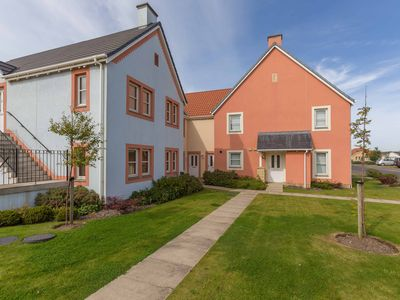 Photo for The Neuk, 2 Bedroom Apartment in Stunning Coastal Town Location.