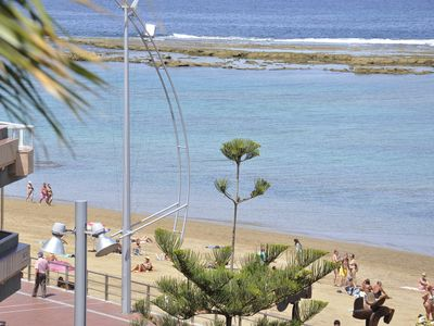 Photo for Playa de las Canteras, front building 15 meters from the beach. WIFI