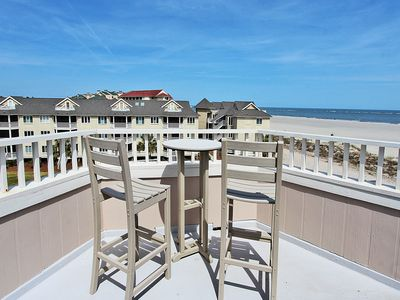Photo for Superbly decorated ocean view villa with private rooftop deck in Wild Dunes