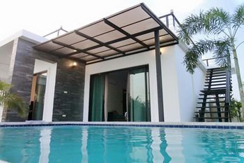 Photo for Airrin Pool Villa - Near Klai Kangwon Palace