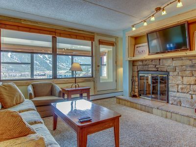 Photo for Newly-renovated condo, walking distance to slopes with a shared hot tub and pool