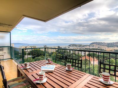Photo for Apartment Les Mimosas  in Cavalaire, Cote d'Azur - 4 persons, 2 bedrooms