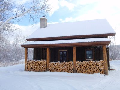 Amazing Rental Nestled in the Wildness But Close to Town