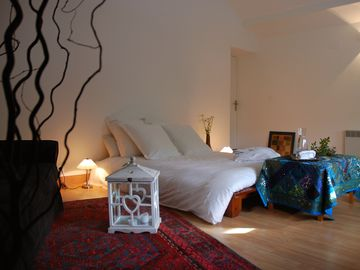 3 bedrooms with Ayurvedic treatments and meals a la carte 210th night