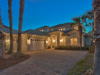 Photo for Gorgeous 5-Bedroom, Private Pool, Lake, Hot Tub, Golf Cart, Near Beach!