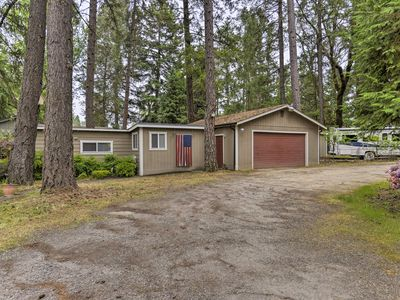 Photo for Tranquil Gold Hill Home - Steps from Rogue River!