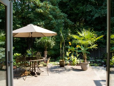 Photo for TROPICAL OASIS on Bull Mountain - Hot Tub - Fire Pit - Gateway to Wineries