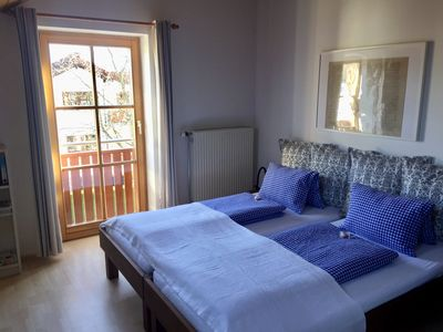 Photo for Small charming holiday apartment - Central and opposite the park.