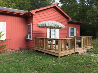 Photo for Near Nashville, IN; 2 beds, 1-1/2 ba.; deck, gas FP.  CUTE!  30-day lease.