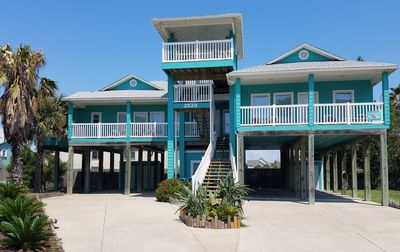 Photo for 5 Bdrm 5 Bath with Sand Point Restaurant, Pool/Hot Tub, Beach & Golf Cart Access