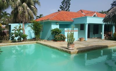 Budget 4BD guest-friendly villa with private pool, Wi-Fi, Cable TV