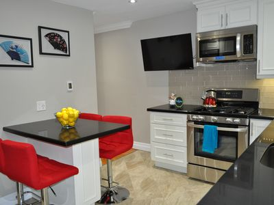 Photo for Luxury Downtown Toronto Suite - Heart Of Queen West- 20 min walk to CN Tower!