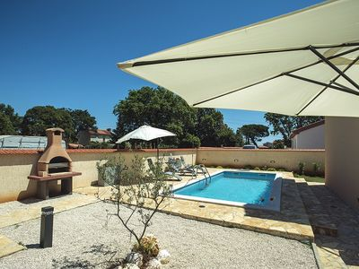 Photo for Charming villa just 1 km to the beach with private pool, washing machine, air conditioning, Wi-Fi, sun loungers, terrace, barbecue