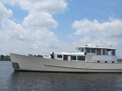 Houseboat/ Yacht Rental In Downtown Providence