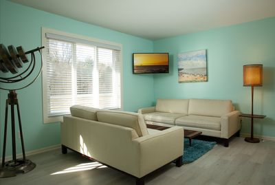 Kick back and relax at Saugatuck Cottage Suites. Book now.