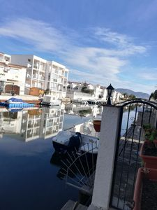Photo for Nice air-conditioned apartment on the canal with 5 m mooring