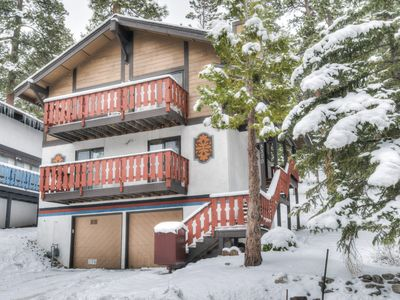 Photo for Cozy Chalet, Minutes to Heavenly Resort, Casinos, Lake and Downtown - Roku/Netfl