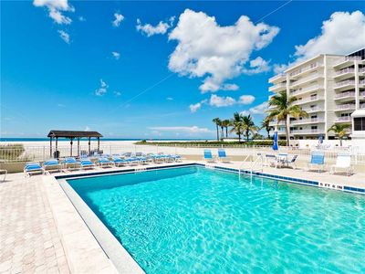 Gorgeous Community Pool - Work on your tan while you relax by the poolside.