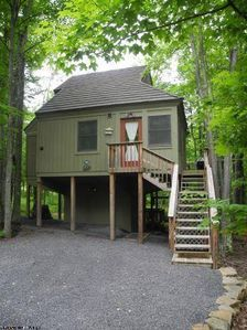 Photo for Unwind in this cozy luxury cabin--part of Black Bear Resort!