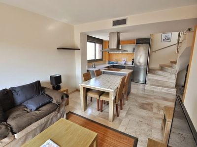 Photo for Cozy duplex with terrace, wifi, parking, common swimming pool and rest area.REF A047