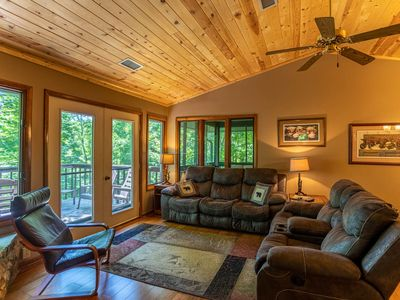 Photo for Grand View - Mountain Views, Pool Table, Fire Pit, access to Beech Mtn Club Amenities!