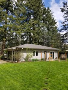 McMinnville Gem---Private Retreat That's Close to Everything!