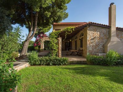 Photo for Luxurious villa close to the beach