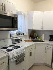 *Brand New* Cottage-B near Airport/Cruise Lines, Gated Parking
