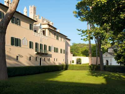 Photo for Apartment in a Castle in the Roman countryside