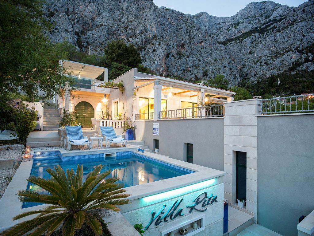 Holiday House With Pool And Mini Golf