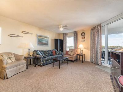 Photo for 3 Bedroom, 3 Bath, With Beautiful Golf Course and Lake View!