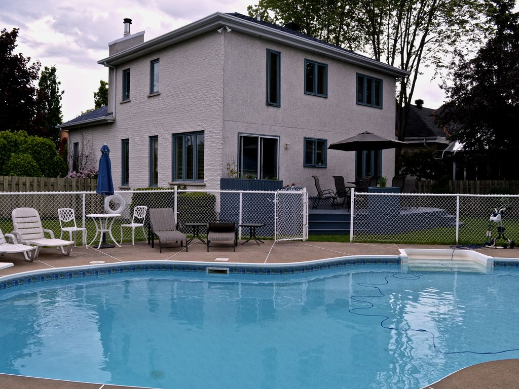 Hotels vacation rentals near boucherville quebec trip101 for Cabin rentals in montreal canada