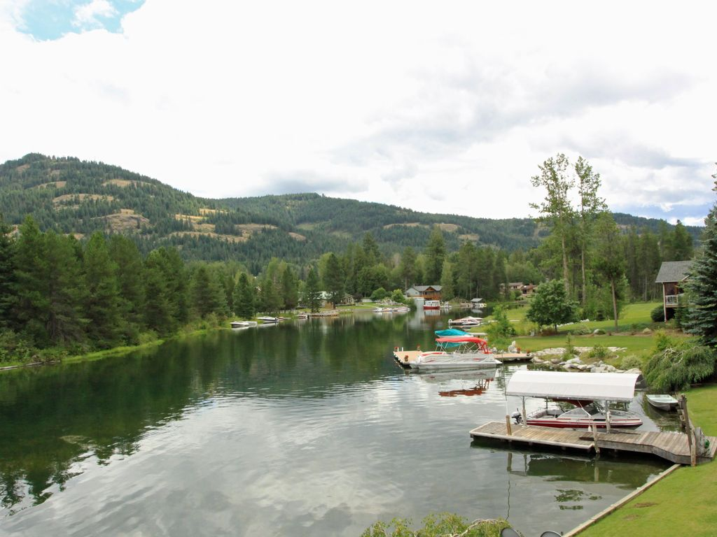 5 BEDROOM Sandpoint Lakefront Retreat!, Sandpoint,Northern ...