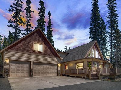 Photo for SAVE 25% NOW! Private 5BD Luxury Home Nr Suncadia | Game Rm-Hot Tub-Grass Yrd