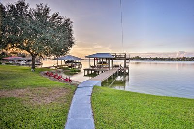 Get away to this vacation rental cottage on the shores of Lake June in Winter!