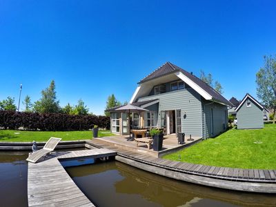 Photo for Great, attractively furnished villa for 8 people right on the Sneekermeer