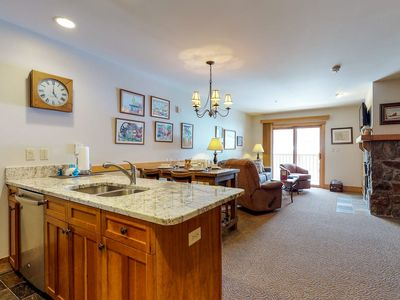 Photo for Red Hawk Lodge Condo with Discounted Lift Tickets. Walk to Slope. Concierge incl