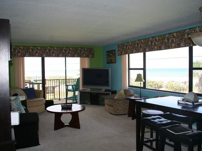 Photo for Sundance amazing views, June 1-8 special rate, granite, king bed,large TV's,pool
